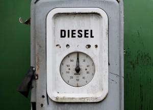 Diesel ist aufrund es günstiges Preises beliebt an Tankstellen. 30% der Autos in Deutschland tanken Diesel.