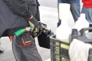 Kanister dürfen nur mit bestimmten Füllmengen im Auto mitgeführt werden.