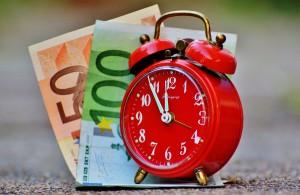 Wann man günstig tankt hängt vor allem von der Uhrzeit ab so ist das Tanken zwischen 18 und 19 Uhr abends am günstigsten.