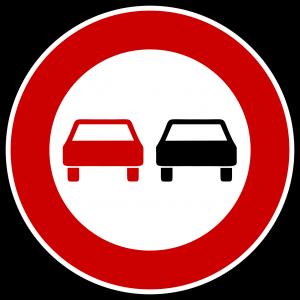 Überholverbote sind in Polen gekennzeichnet wie in Deutschland. Man sollte vor allem auf Landstraßen vorsichtig beim Überholen und überholt werden sein.