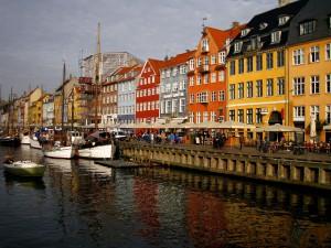 Kopenhagen die Hauptstadt Dänemarks, es gilt einige Dinge beim Tanken in Dänemark zu beachten.