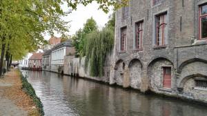 Brügge wird aufgrund der vielen Kanäle und Bogenbrücken auch das Vendig des Nordens genannt.