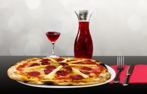 Die italienische Küche bietet neben Nudeln, Wein vor allem auch Pizza.