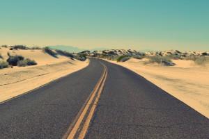 Tankstellen sind in den USA mitunter spärlich gesät, wie hier in Wüstenabschnitten.
