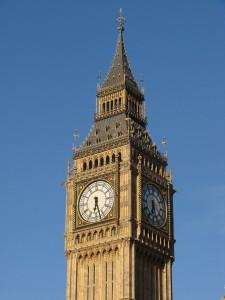 Der Big Ben in London, neben dem Rechtsverkehr sollte man auch einige Tipps beim Tanken in England beachten.