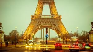 Der Eiffelturm, beim Tanken in Frankreich tragen die Kraftstoffsorten andere Bezeichnungen als bei uns. Hier finden sie auch einige Reisetipps für Frankreich.