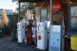 Ein Tankstelle an der Route 66. In den USA gilt es bestimmte Vorgänge beim Tanken und Bezahlen zu beachten.