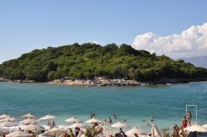 Der Ksamili-Strand lässt Sonne tanken in Albanien.