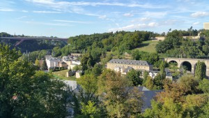 Die Stadt Luxemburg ist auch für die Festungsanlage Kasematten bekannt.