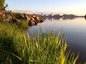 Frische Luft Tanken in Weißrussland kann man an den zahlreichen Seen des Landes.
