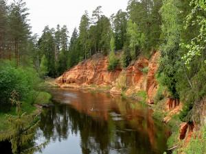 In Lettland kann man viel unberührte Natur im Urlaub erleben.