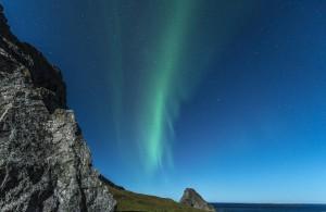 Wer Glück hat sieht eines der schönen Nordlichter in Norwegen am Himmel.