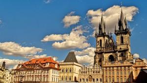 Nicht nur in der Hauptstadt Prag hat Tschechien neben dem Tanken in Tschechien vieles zu bieten.