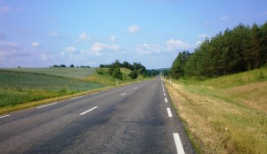 Die Straßen in Litauen sind außerorts meist in einem besseren Zustand als innerorts.