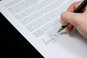 Auch eine eidesstaattliche Erklärung wird beim Verlust von Fahrzeugschein oder Fahrzeugbrief benötigt.