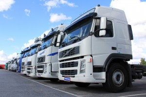 LKW-Diesel unterscheidet sich von PKW-Diesel nicht nur durch die Farbstoffbeimischung.