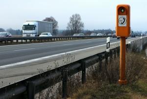 Nach einem Unfall oder einer Panne gilt es die Unfallstelle deutlich zu kennzeichnen.