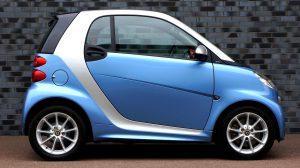Die richtige KFZ-Versicherung für Fahranfänger wird häufig in Verbindung mit einem gebrauchten Kleinwagen abgeschlossen.