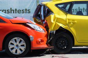 Die KFZ-Versicherung für Fahranfänger wird günstiger wenn man den Wagen als Zeitwagen anmeldet. Hierbei sollte bei einem Unfall der Erstwagen nicht mit hochgestuft werden.