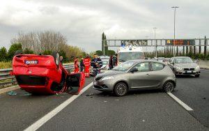 Unfall mit Dienstwagen wer kommt für den entstanden Schaden auf? Muss die Selbstbeteiligung von Arbeitnehmer getragen werden?