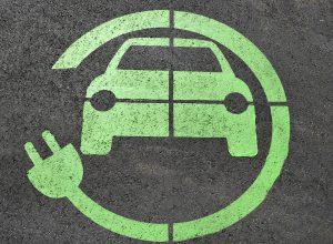 Dank E-Fuel könnten Hybrid-Fahrzeuge überflüssig werden.