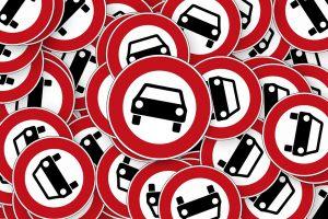 Fahrverbote für Diesel drohen bei Überschreitung der Grenzwerte.