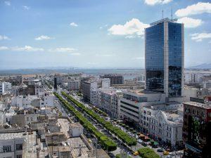 Auch in der Hauptstadt Tunis sollte man stets auf den Verkehr achten.