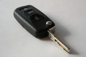 Bei einer Wegfahrsperre müssen Funkschlüssel angelernt werden.