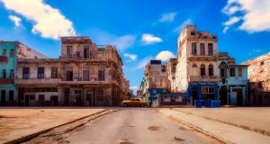 Nicht nur in der Landeshauptstadt Kuba findet man vorwiegend Oldtimer.