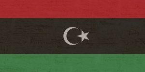 Tanken in Libyen, hier die Landesflagge des Landes.