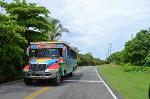 Im Land kursieren viele Buslinien.