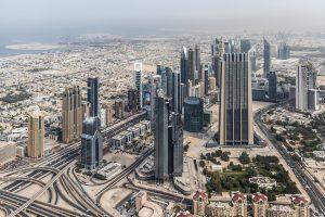 Was man beim Tanken in Dubai und anderen Städten der Vereinigten Arabischen Emirate beachten muss.