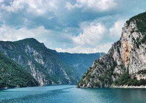 Montenegro bietet viele landschaftlich schöne Ausblicke.