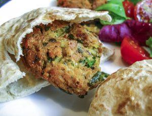 Die libanesische Küche umfass auch vegetarische Falafel.