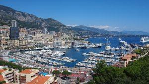 Auf den Straßen von Monaco gilt ein Tempolimit von 50 km/h.