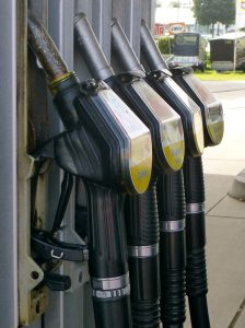 Wie man am Tankautomaten tanken kann.