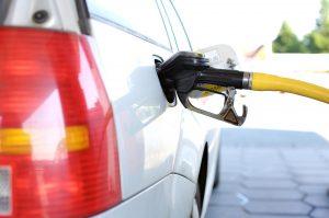 Höhere Spritpreise sollen der Umwelt helfen.